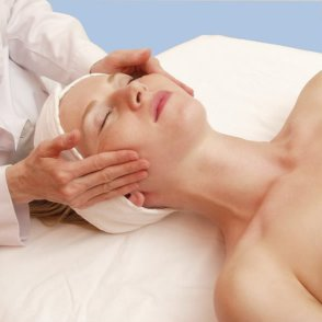 (img - woman in spa)